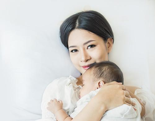新生兒排氣方法